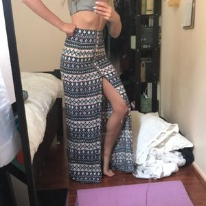 Aztec print style maxi skirt with front slit